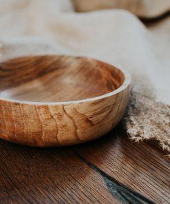 Orehova lesena skleda